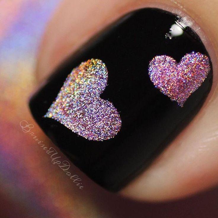 Fun macro by @bruisedupdollie using Triple Heart Nail Stencils. - Found at snailvinyls.com