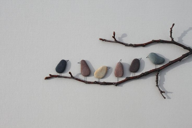 Pebble Art - oh the ideas this inspires!