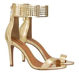 Gold! Sandálias douradas são peças curingas!