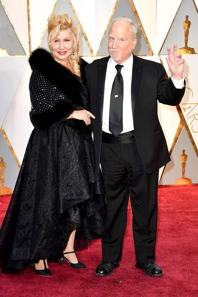 #oscarfashion Svetlana Erokhin and Richard Dreyfuss attend the 89th Annual Academy Awards at Hollywood & Highland Center on February 26, 2017 in Hollywood, California. (Photo by Frazer Harrison/Getty Images) </p>