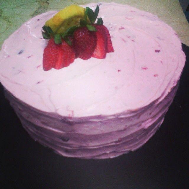 Pastel de limonada de fresa receta en https://www.facebook.com/groups/758674534165679/