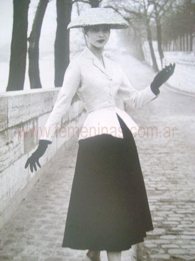 Resultados de la Búsqueda de imágenes de Google de http://www.femeninas.com.ar/images/historia-moda/moda-1950-1960.jpg