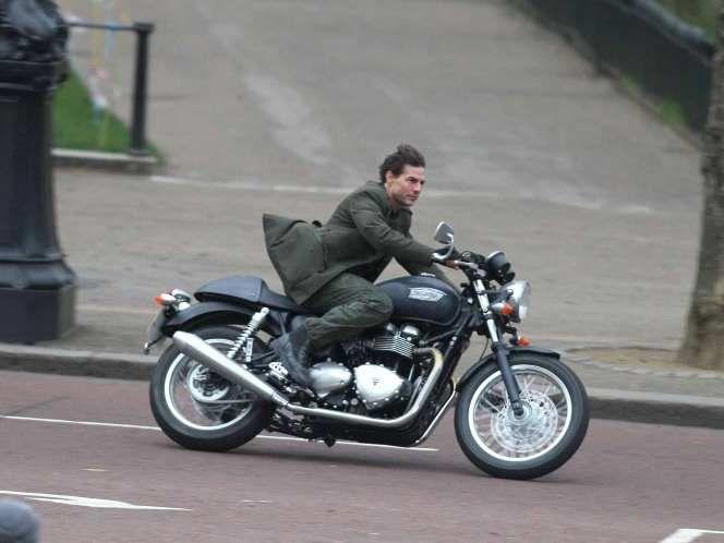 Tom Cruise Wheels Motorcycle Triumph Moto Triumph Motorcycles