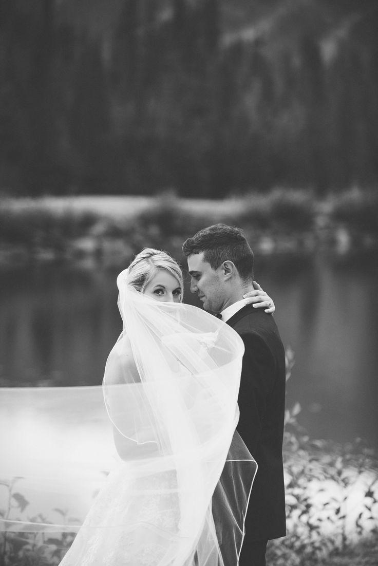 #Kamloops #outdoor #beautiful #classic #wedding #photography #love #rozalindewashinaphotography #beautiful #realmoments #sunpeaks