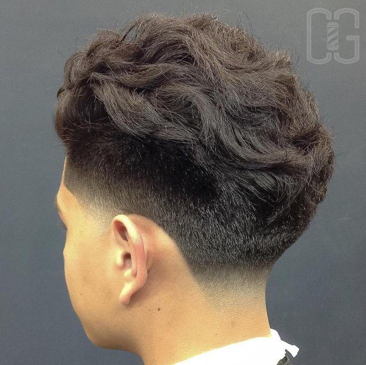 Wavy Taper Fade Haircut                                                                                                                                                                                 Más