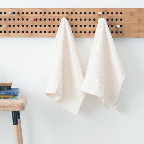 Stripe Towels - White - by CASA DI BASSI #MONOQI