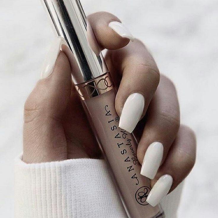 White nails and Anastasia Beverly Hills --> Beauty Pinterest: @FlorrieMorrie00 Instagram: @flxxr_
