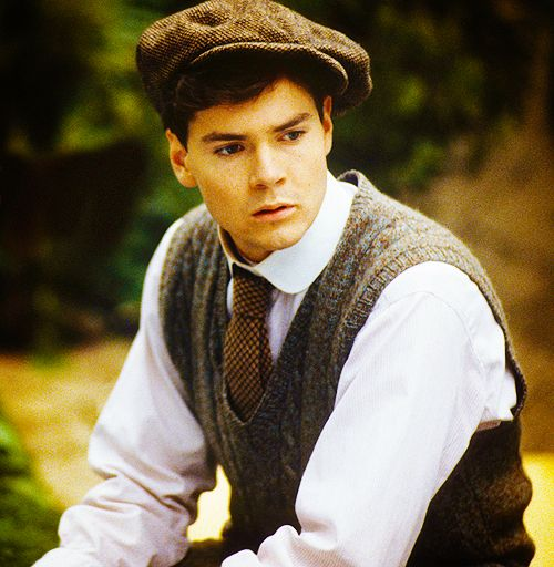 Gilbert Blythe - first love So that's why I like the tall, dark, handsome, hat-wearing physicians ...  ;) teasing