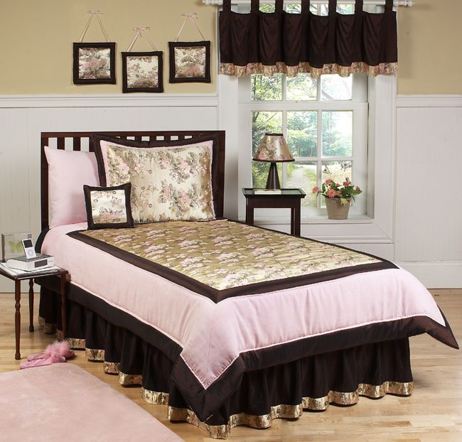 I want to win a toddlers or baby bedding set from http://beyond-bedding.com