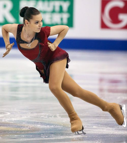 The roller skater sonja solo - 3 1