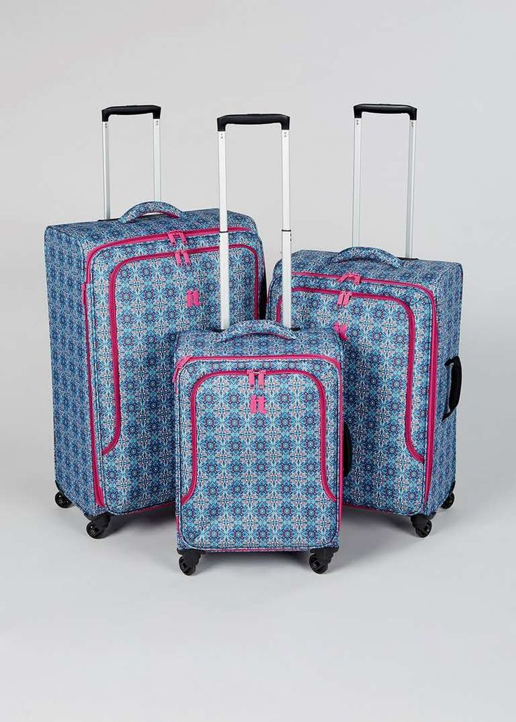 IT Luggage TRUE-LITE 4 Wheel Suitcase View 1