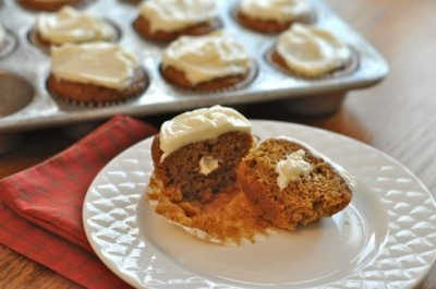 ... . The icing is like crack...highly addictive! Pumpkin Roll Cupcakes