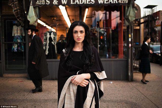 Potret Menawan Para Wanita Cantik di Seluruh Dunia - 12