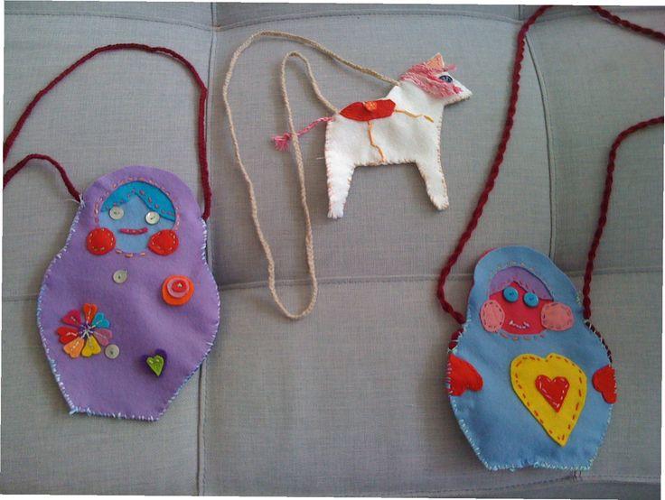 naaien van baboeska en paarden tasje onder begeleiding van Atelier.naaiz11.