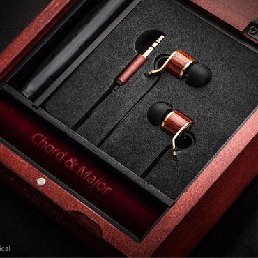"Chord & Major tonal earphones - model Major 9'13 (for Classical music). The world's first Tonal Earphones.  Chord & Major's Major 9'13 (for classical music) wins the ""Diapason D'OR"" Award from the prestigious French music magazine, Diapason!"