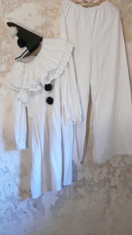 antiek pierrot kostuum antique pierrot costume