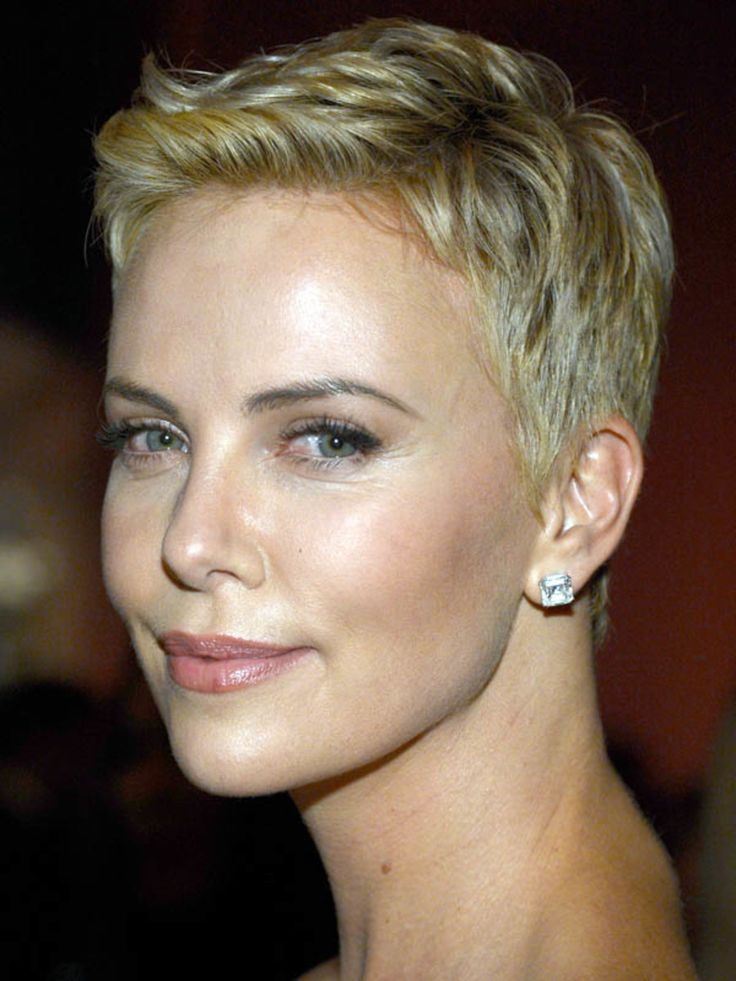 Oscars 2013: Charlize Theron's Sexy Short Hairstyle. How to create this effortless look.