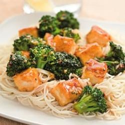 """""""One way to get great tofu texture without deep-frying is to toss the tofu in cornstarch before stir-frying.""""  Dave Cochran, SeattleHealthy Vegan Recipe, Broccoli Stirfry, Broccoli Recipe, Broccoli Stir Fries, Vegetarian Recipe, Healthy Food, Weights Loss, Stir Fry, Dinner Recipe"""