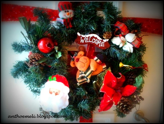 christmas on your door - DIY - anthomeli.blogspot.com: DIY στεφάνι για την πόρτα και ολοκλήρωση του χριστουγεννιάτικου στολισμού- 11 μέρες ως τα Χριστούγενννα!