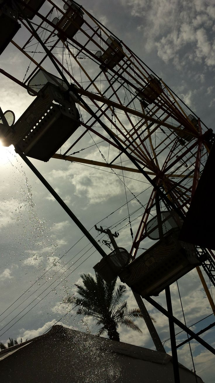 ...rickety ol' ferris wheel...the height is stimulating..eek..makes for a alluring photo! swap shop, florida 2014