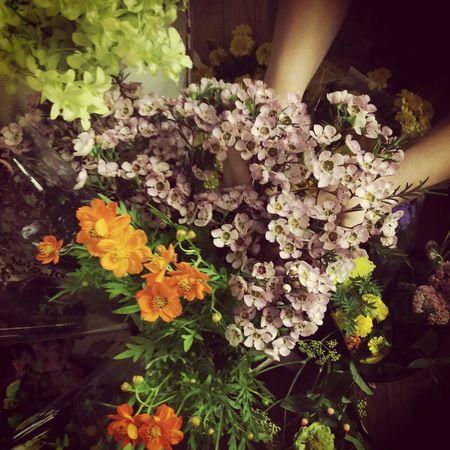 9月一会定期スクール 花瓶を並べたゲストテーブルフラワー 実況中継:前編 : 一会 ウエディングの花