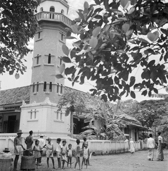 Tjikini moskee aan de Raden Saleh te Jakarta, Indonesië (1947)