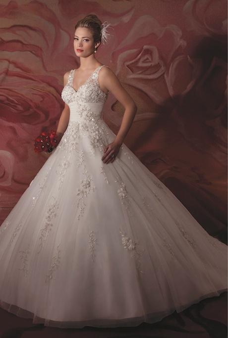 Karelina Sposa : C7871 Wedding Dresses Gallery