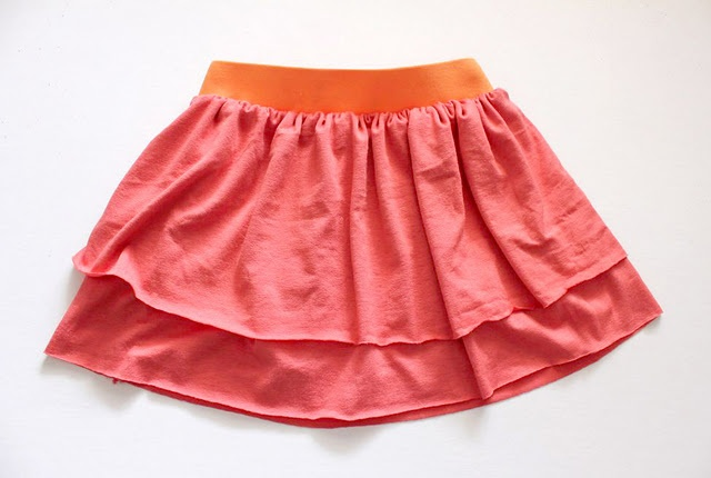 tut - layered skirt for a child (using no-hem needed jersey knit) *Maybe make it a little longer for us adult girlies and wear around the house.