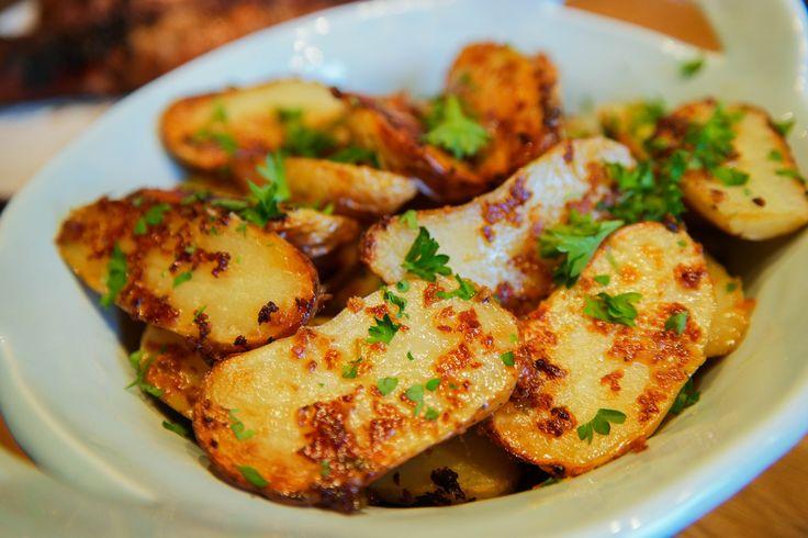 Jag vet att ni är MÅNGA som har älskat crashed potatoes, som har varit mitt populäraste recept hittills i år. Och visst är det gott med potatis? Men oftast är det lite svårt att på nya goda sätt att t