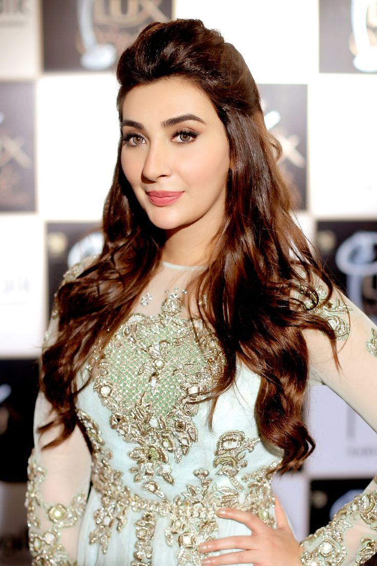 #AyeshaKhan at #LSA2016 Lux Style Awards 2016