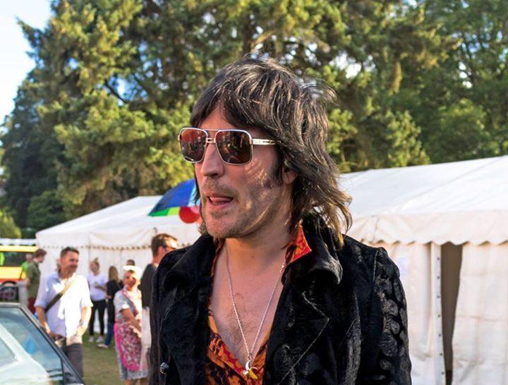 Noel Fielding at Port Eliot festival, 2016. Bonjour boyfriend.