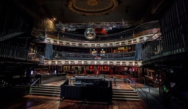 Inside Melbourne's historic 1912 Palace Theatre, Bourke Street - to be demolished by greedy, self-interested Chinese developers in mid-2014, thanks to failure of Victorian LNP government to protect it and the surrounding precinct from over-development.