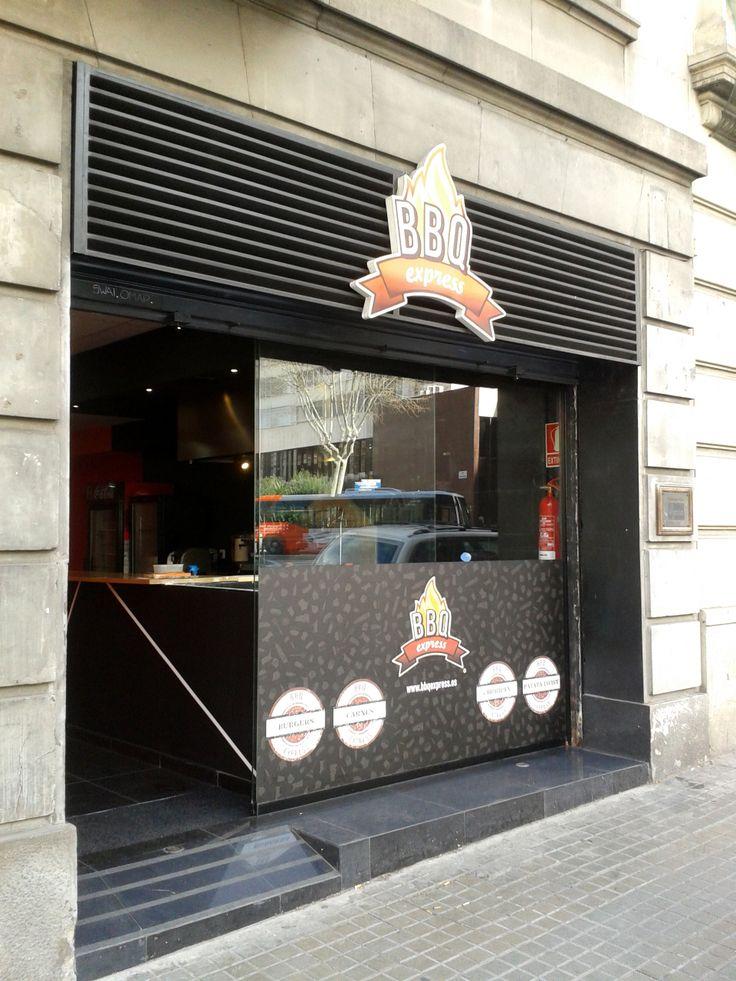 BBQ Express Barcelona. Rotulación de fachada