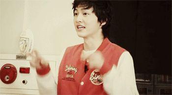 "Song Joong Ki explaining the word ""dinosaur"" in Running Man"