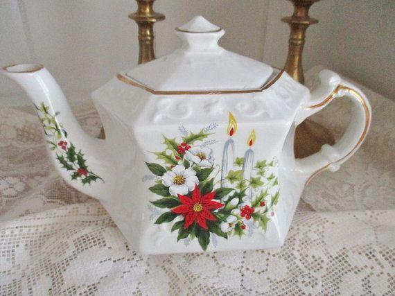 Vintage Ellegreave 2-3 cup Christmas by EnglishGardenTeaShop