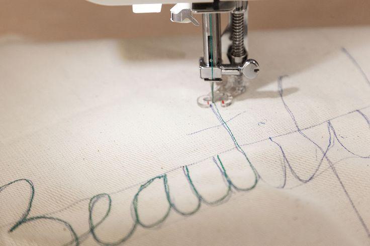 DIY Tote bag con palabras bordadas · DIY Words Embroidered Cotton Canvas Tote Bag · Fábrica de Imaginación · Tutorial in Spanish