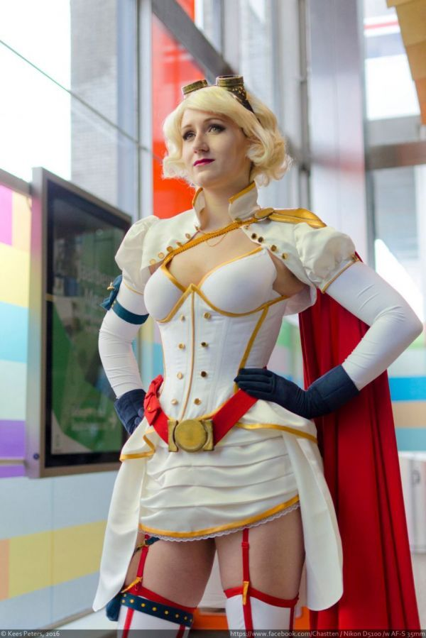 Steampunk Power Girl. Inspired by artwork by NoFlutter, Rini Cosplay created this retro look for Power Girl. #DC #Powergirl