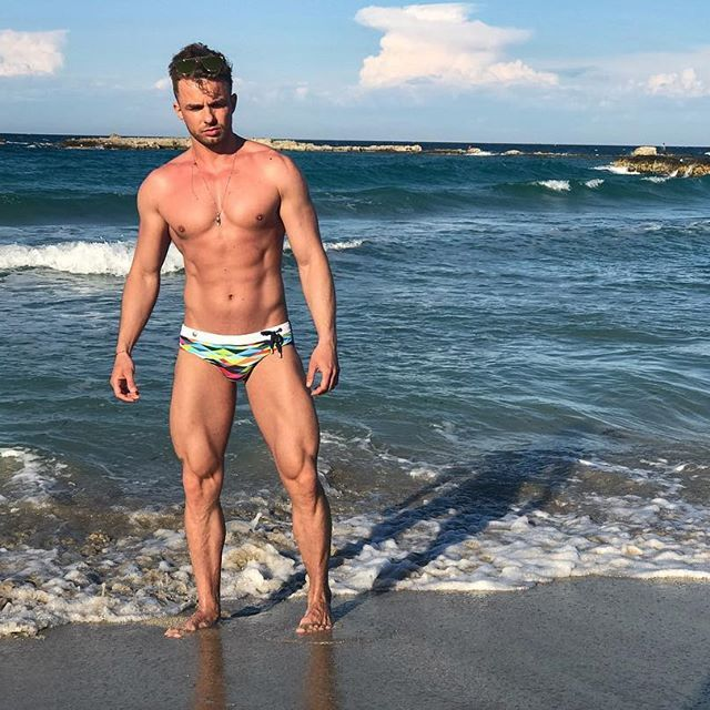 Good night Italy ☺️❤️  #beachbody #beachboy   #beachstyle  #topman #topfit #men #male #athletic #fit #fitmodel #malemodel #mensphysique  #menshealth #look #boyswillbeboys #photo #hombre #beaumec #bello #ragazzo #hombres #rubio #beachbodycoach #sunnyday #h