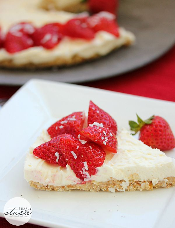 Strawberry No-Bake Cheesecake | www.simplystacie.net | #strawberry #cheesecake #nobake #desserts