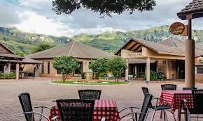 Outdoor dining at Alpine Heath