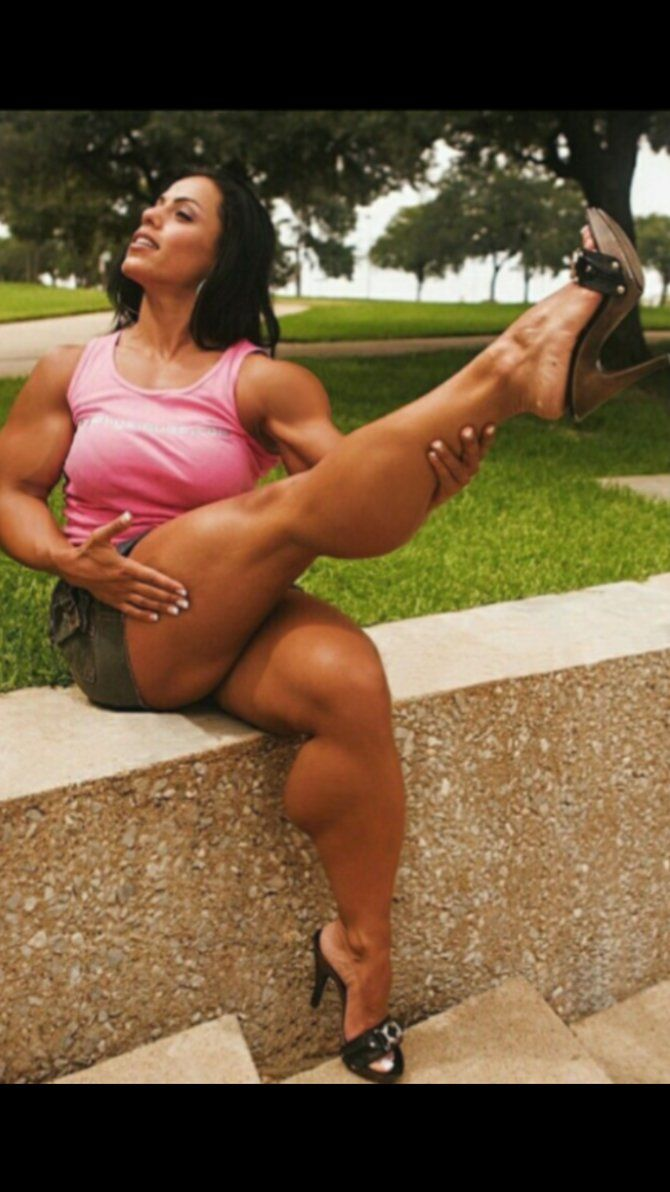 Sexy FBB shows off her huge legs. by zig567 | female ...