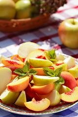 Peaches and apples, picnic food