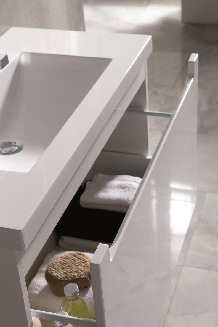 Szafka podumywalkowa - wstawka biała. Unit - white band. #elita #meble #lazienka #serenity #furniture #bathroom