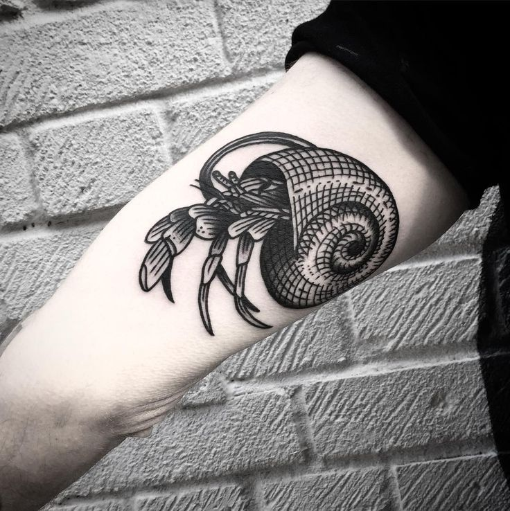 """439 Likes, 3 Comments - MICHELE L'ABBATE (@maic) on Instagram: """"Hermit crab on Christian done @thefamilybusinesstattoo #tattoo #blacktattoo #btattooing #london…"""""""