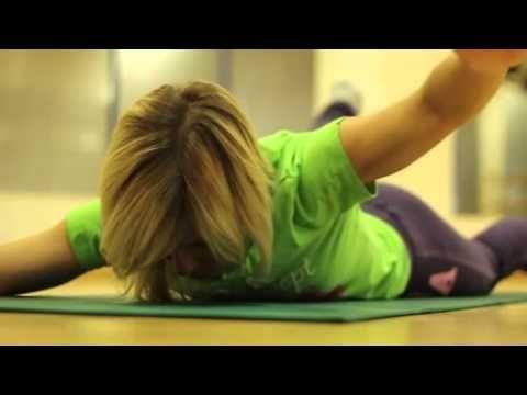 ▶ Упражнения для красивой осанки - YouTube