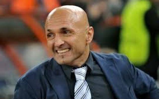 Roma, Spalletti: «Ho chiesto ai giocatori di fare la formazione» Spalletti prima della gara con il Sassuolo di ieri sera, per gioco, ha chiesto ad ognuno dei suoi giocatori di stilare una formazione di 11 titolari. Al tecnico toscano non erano andati giu` dei comp #roma #spalletti