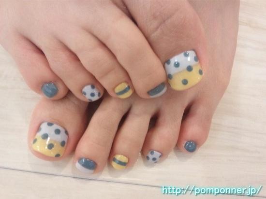 Pedicure Stripes Polka Dots