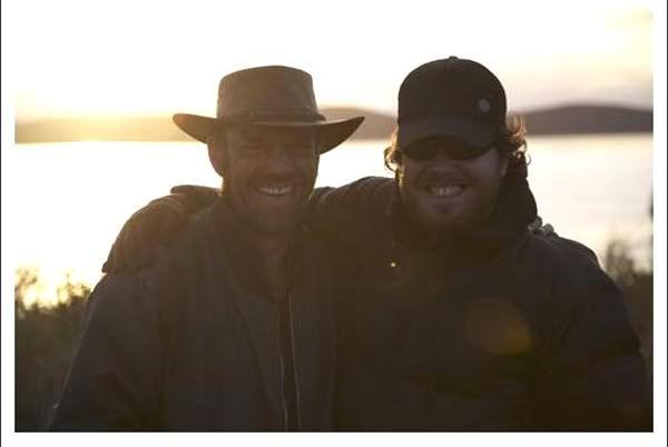 Hugo Weaving and Glendyn Ivin on the set of Last Ride