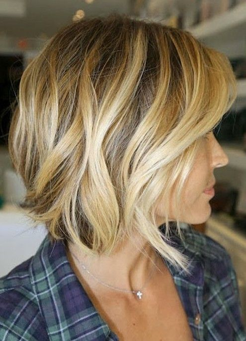 Side view of short wavy bob haircut with beautiful highlight faceframing