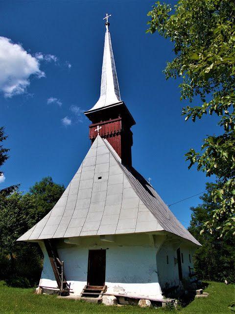 Turismul în România: Biserica de lemn din Sartăș